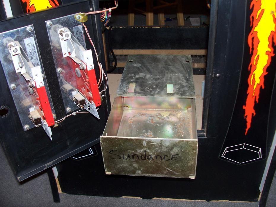 Sundance arcade game - August 2010 010